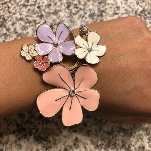 Forever 21 Vintage Baroque Style Flower Bracelet